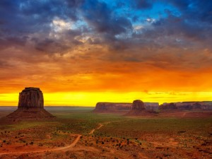 Atardecer en Monument Valley (Utah)