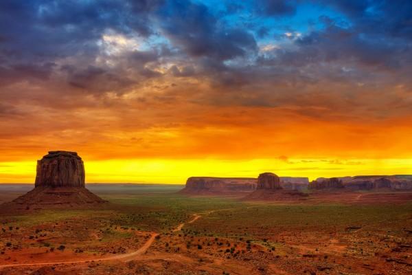 Atardecer en Monument Valley (Utah)