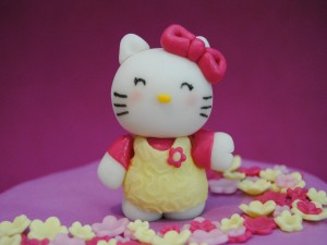 Postal: Muñeca dulce Hello Kitty