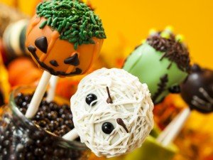Cake pops para decorar y comer en Halloween