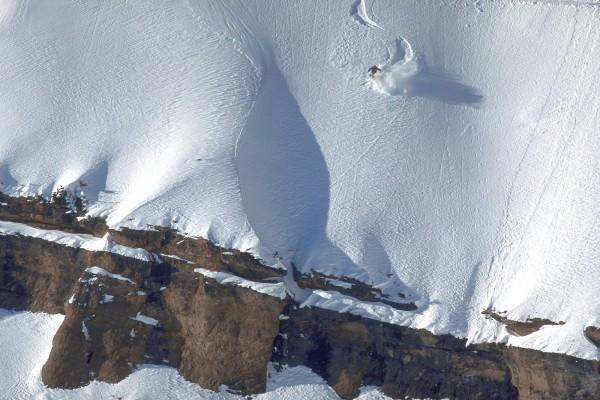 Practicando esquí en un recóndito lugar