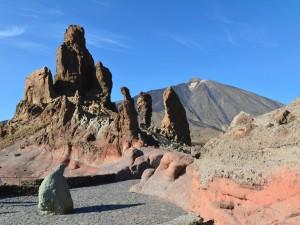 Postal: Roques de García y el Teide (Tenerife, Islas Canarias)