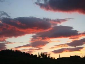 Nubes en el cielo al amanecer