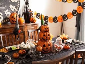 Postal: Decoración y merienda para Halloween