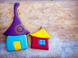 Postal: Casitas de galleta con bonitos colores para Navidad