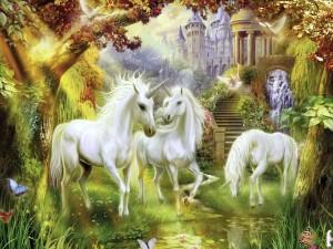 Unicornios blancos junto a un río