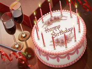 """Postal: Una torta de cumpleaños """"Happy Birthday"""""""