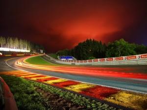 Postal: Noche en un circuito de F1