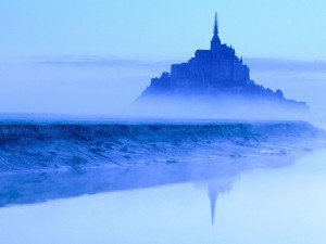Postal: Bruma en el Monte Saint-Michel