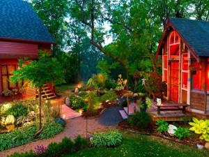 Jardines de dos lindas casas