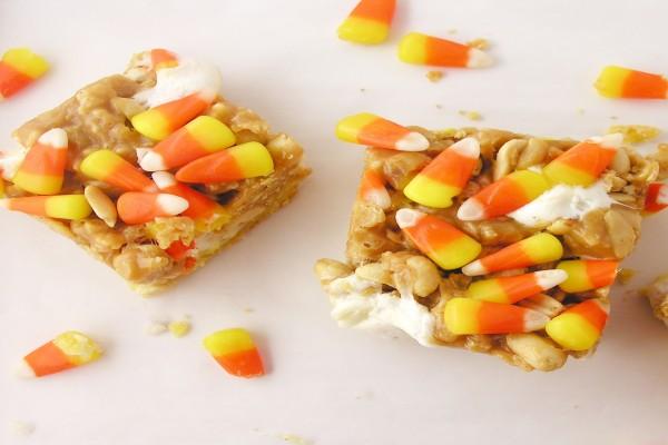 Dulces con cacahuetes y caramelos de Halloween