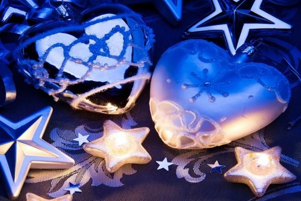 Corazones y estrellas para adornar en Navidad