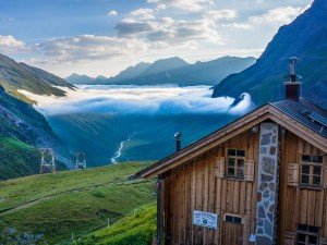 Postal: Amanecer en Taschachhaus en el valle de Pitztal (Austria)