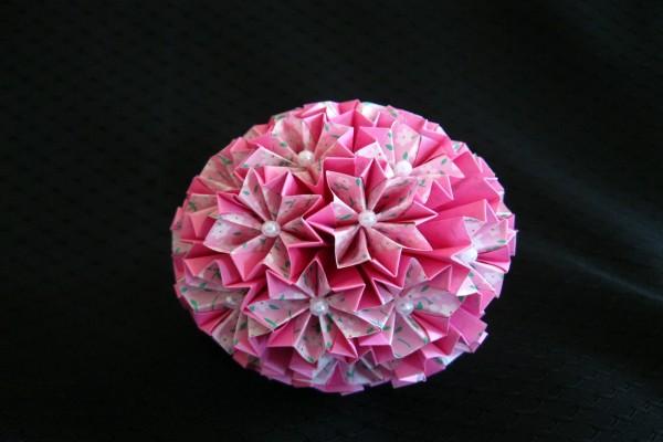 Ramo con flores de papel