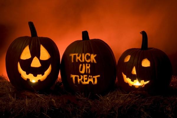 Calabazas iluminadas para la noche de Halloween
