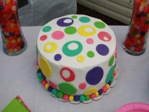 Tarta cubierta de fondant con bonitos colores
