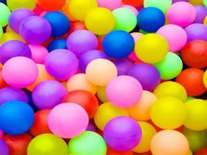Postal: Bolas multicolores