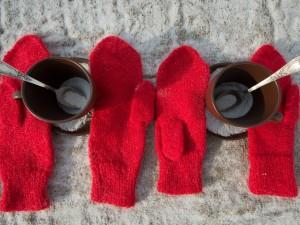 Tazas y guantes para el invierno