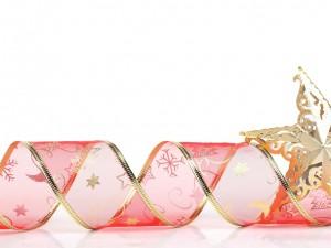 Cinta rosa con estrellas doradas para adornar en las fiestas de Navidad y Año Nuevo