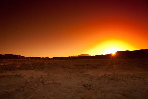 Atardecer en un desierto