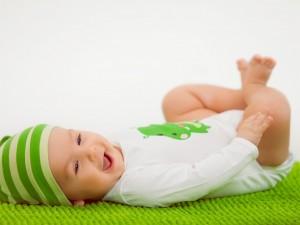 La sonrisa tierna de un bebé