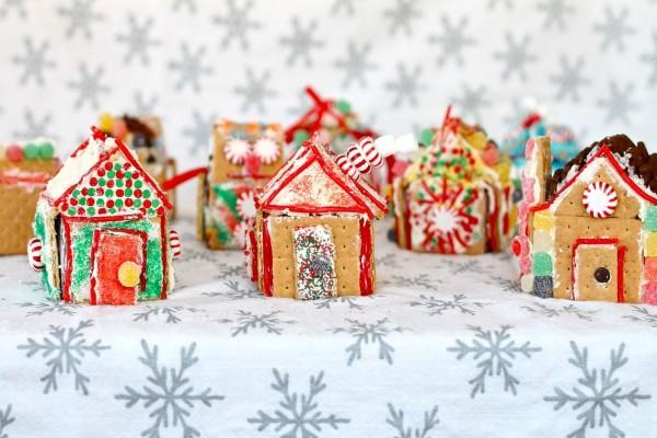 Casitas de jengibre navideñas