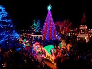 Postal: Noche de carrozas en Navidad