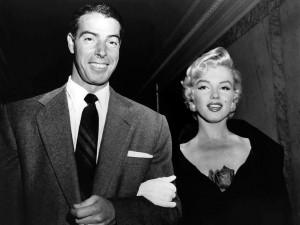 Postal: Joe DiMaggio y Marilyn Monroe