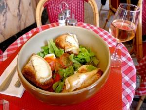 Postal: Ensalada con pan y queso de cabra