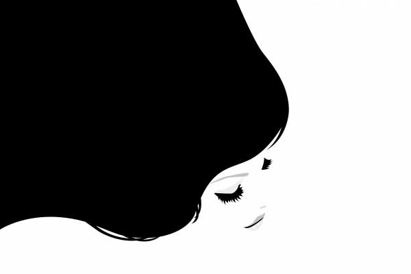 Pelo y rostro de una joven