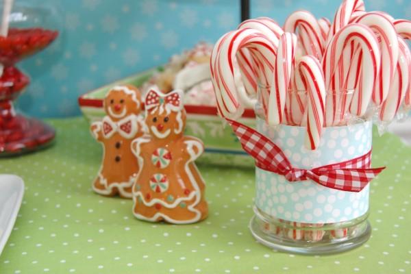 Bastones de caramelo y unos gingerbread