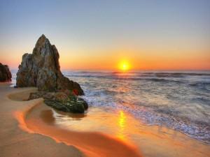 Increíble puesta del sol en la playa