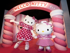 Dos simpáticas Hello Kitty
