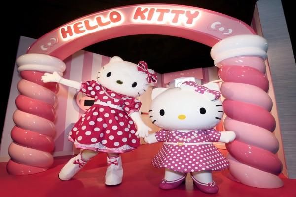 Dos simpáticas Hello Kitty