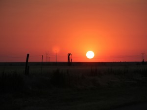 Gran sol en el cielo naranja