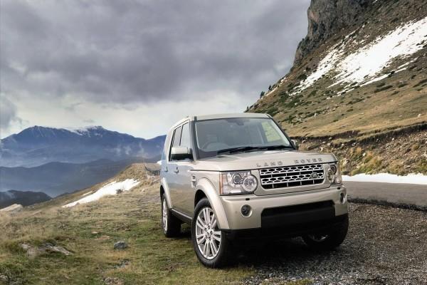 Land Rover en la montaña