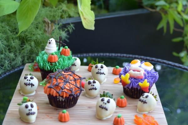 Fresas calavera y cupcakes para una divertida merienda en Halloween