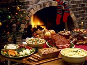 Comida de Navidad junto a la chimenea