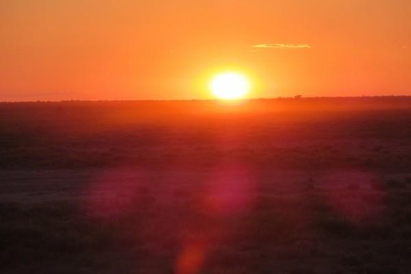 Cielo iluminado por el sol al atardecer