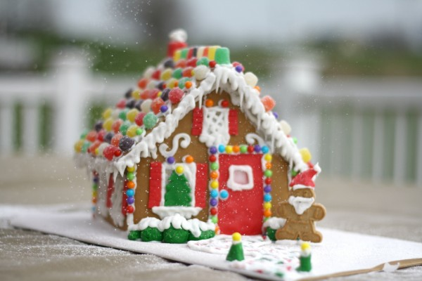 Una bonita casa de jengibre para Navidad