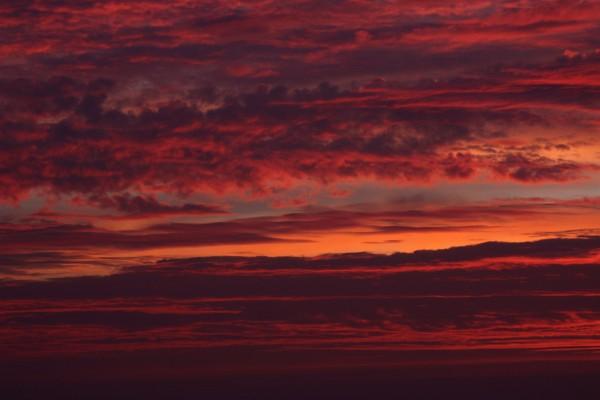 Cielo con bonitos colores y nubes