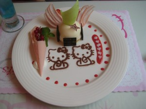 Hello Kitty en un dulce plato