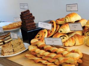Bollos variados en una pastelería
