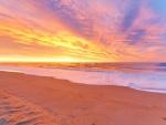 Bello amanecer en una playa