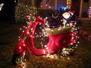 Vespa decorada por Navidad