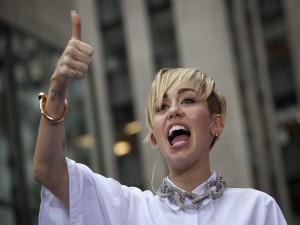 Miley Cyrus contenta