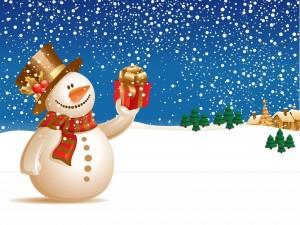 Muñeco de nieve navideño bajo la nieve