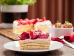 Una delicada tarta de crema y fresas