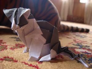 Postal: Un gato origami