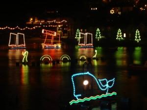 Postal: Luces de Navidad en el agua